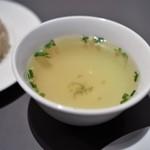 威南記海南鶏飯 - スープ部分あっぷ