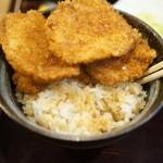 新潟カツ丼 タレカツ - タレかつ丼 分解中