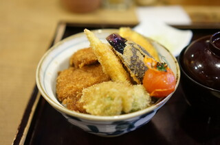 新潟カツ丼 タレカツ 本店 - 野菜タレかつ丼