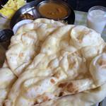 インド料理 まいた - 最高のビックサイズの【ナン】