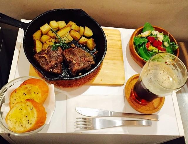 シバラク カフェ - ディナーセット:オーブン焼きラム肉