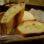 食堂Tavolino - ☆パン2種盛り!(^^)!☆