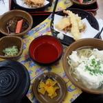 ひめゆり会館 - ゆし豆腐沖縄そば、天ぷら1080円