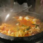 炭火焼肉とうがらし - 特製チゲ