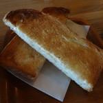 ジュネ - パンはケルン製