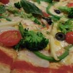 46751275 - 野菜のピッツァ;アップ;彩り綺麗です