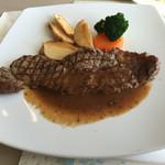 フランス料理レストラン 四季 - 料理写真:はじめのステーキ