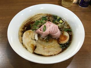 寿製麺 よしかわ - 「中華そば」750円