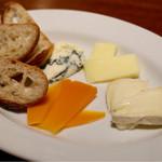 46764772 - 本日のチーズ盛合せ