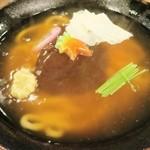 46764874 - あんかけ、椎茸、湯葉、麩、蒲鉾、三つ葉、すり生姜