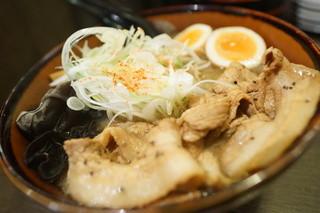 札幌みその 札幌らーめん共和国店 - 最北端味噌「炙り」豚盛りそば