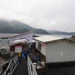 マルモ水産 九十九島海上かき小屋 - マルモ水産 海上かき焼き小屋