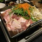 個室居酒屋 番助 - 三元豚と華味鶏の柚子塩鍋