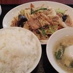 東幸飯店 - ランチ(肉野菜炒め)(大盛)(854円)