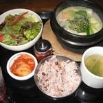 Kunsansouru - ソルロンタン・セット1,000円(税込)