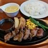 ビッグボーイ - 料理写真:カットステーキ(745円)
