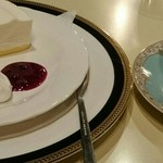 シャモニー 古町店 - ウインナー珈琲とレアチーズケーキ