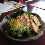 焼肉の鷹 - サラダです。