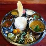 Spice&Dining KALA - '16.1.4 ベジタリアン+チキンチェチナードとアラのモイリー