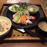 46788129 - 健康定食