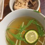ビストロビカーサ - スープ&スジ豆腐