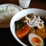 スパイスカフェ ベロデカ - 黒旨(くろうま)スープ