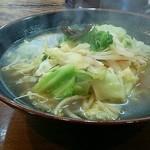 をうみ - をうみちゃんぽん(焼き野菜)771円(税込)フライパンできっちり炒めた香ばしさが味わえる。野菜の量はそれほどでもない。