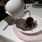 モナリザ - 2016年1月:チョコボールに温かいチョコをかける