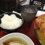極楽うどん TKU - お昼は小ライス付き。〆に置いとかないとね*\(^o^)/*