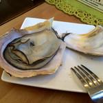 パタタ食堂 - 焼き牡蠣