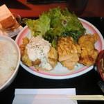 こだわりや - 唐揚げ・チキン南蛮のハーフ&ハーフ定食