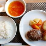 46807478 - ハンバーグ(150g)&コロッケ定食(2180円)