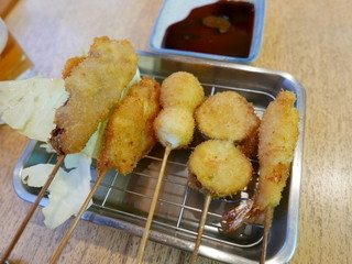 たけ屋 - 串カツ(豚肉、牛肉、エビ、茄子、うずら)