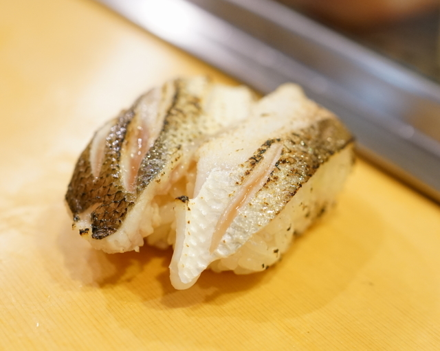 栄寿司 - 2016.1 かます(1貫110円)