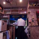 コルカタ - キッチンは明るくて清潔