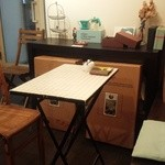 MOKICHI珈琲 - テーブル席
