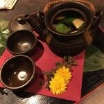 46816920 - 【歓 迎】松茸風味の焼きふぐ土瓶蒸し ~土瓶から香る焼きふぐの香り~