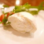 46819656 - ブッラータチーズ