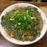 尾道ラーメン 一丁 - ラーメン(550)ネギマシ(100)  立ち上る魚介ダシとしょう油の香りは正に尾道ラーメン!