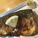大丸屋 - 良い焼き加減で旨しデス真サバの塩焼き 370円(税別)