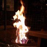 ナカラ - わら焼きは店のウリらしいが。イマイチ押しが弱い。この日は、かつお、砂肝、たくあん。2010.6