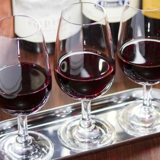 お料理に合わせた気軽に美味しいワインを!2500円~ご用意