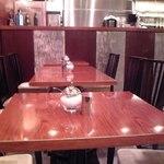 Euro Cafe - [内観] テーブル席 (禁煙席) ①
