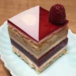 リンツ ショコラ カフェ - ショコラ・ブラン・フランボワーズ(756円)