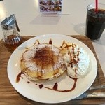 ロビーラウンジ エーデルワイス - 料理写真:パンケーキブリュレ、アイスコーヒー