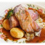 クイーン・アリス・カフェ - イベリコ豚肩ロース肉のロースト レフォールソース