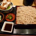 4684139 - マグロ串かつ丼セット 850円