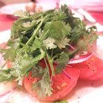ビストロ・ガタン - トマトと香草のサラダ 600円