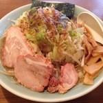 46840132 - ラーメン+野菜 大盛 ¥800