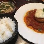 盛よし - B定食のご飯、カニクリームコロッケ、白身魚のトマト煮?、お味噌汁